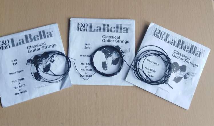 Imagen Cuerdas de naylon negras la Bella.