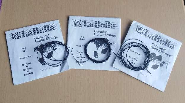 Imagen producto Cuerdas de naylon negras la Bella.  3