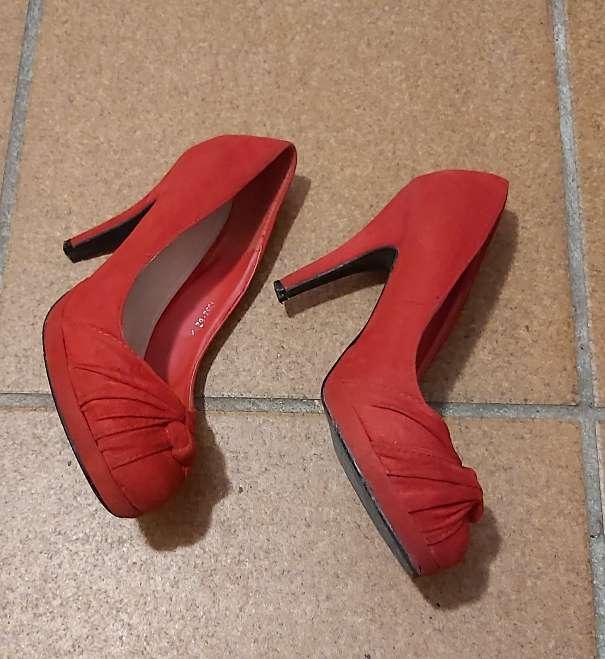 Imagen zapatos rojos de tacón ( terciopelo ) número 36