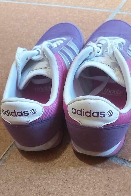 Imagen Tenis Adidas número 38 color lila y rosa