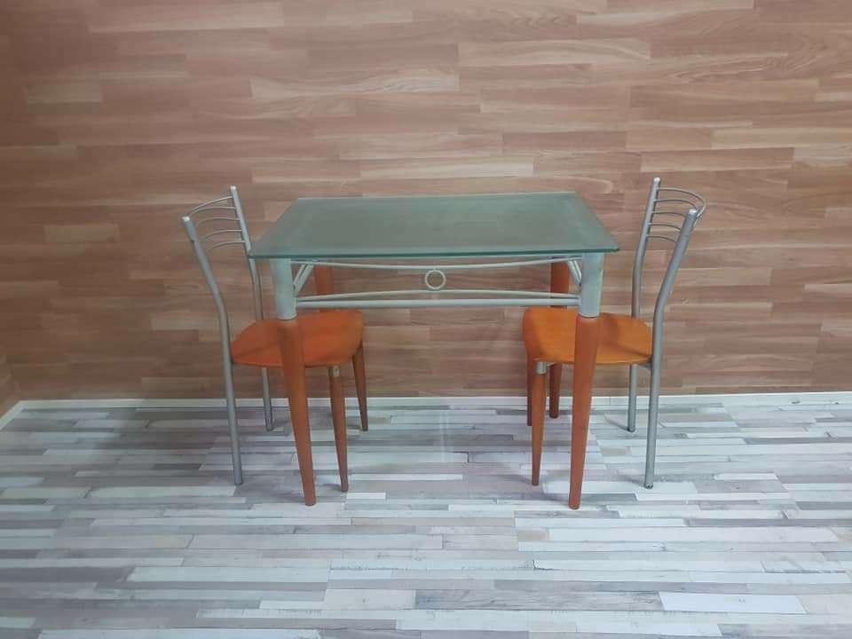 Imagen producto Mesa de cocina y dos sillas 2