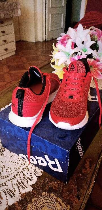 Imagen zapatillas Reebok Nueva Rojas