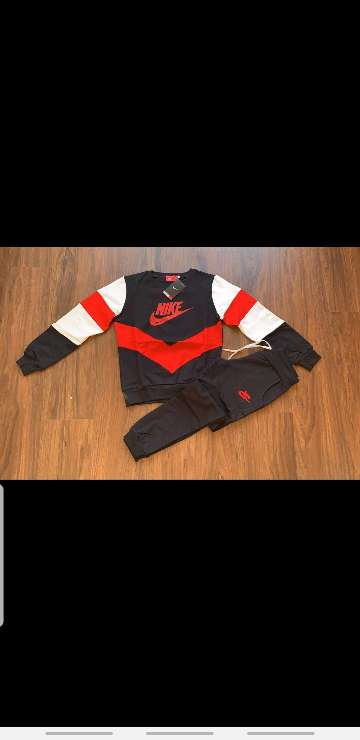 Imagen producto Chándal Nike mujer 8
