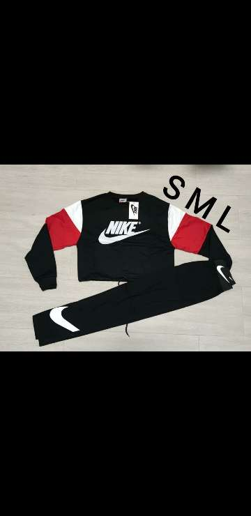 Imagen producto Chándal Nike mujer 3