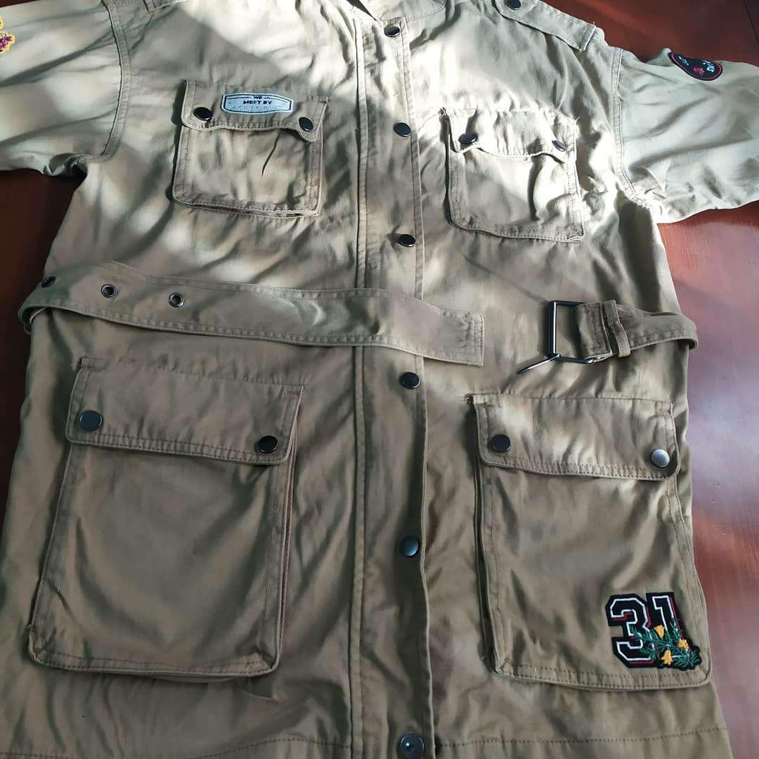 Imagen venta de chaqueta verde aceituna talla M amplia  impecable