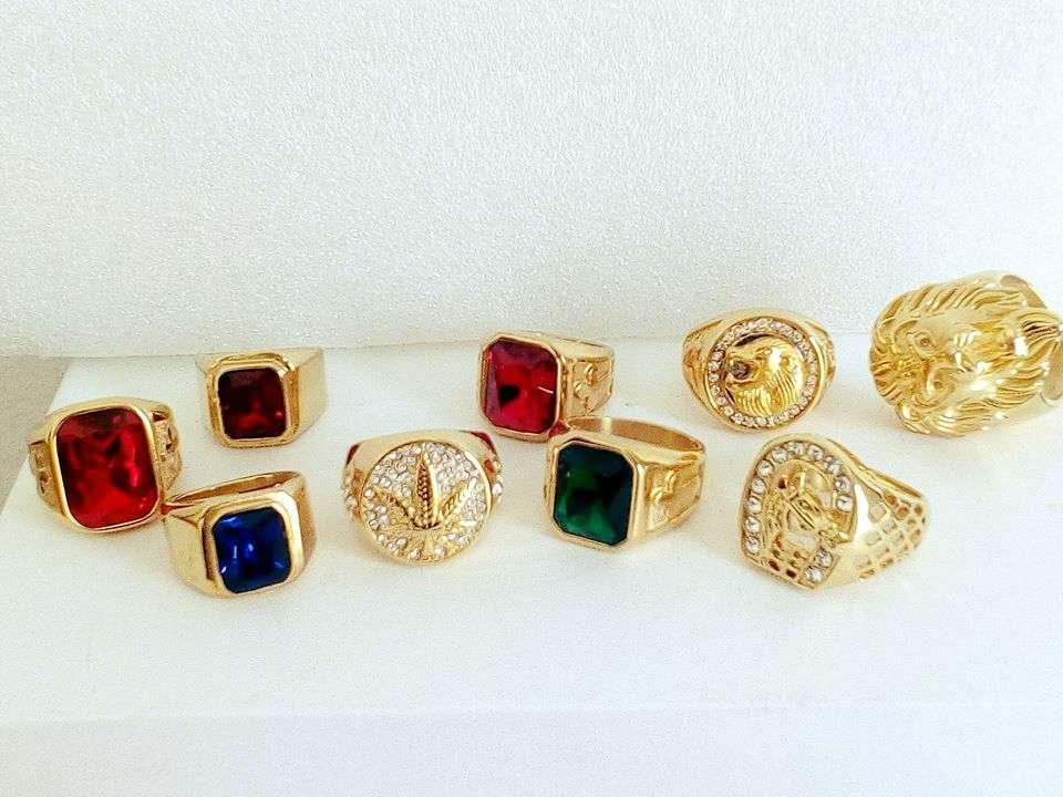 Imagen anillos de acero inoxidable color oro