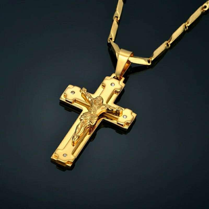 Imagen colgante de cruz + cadena de acero inoxidable color oro