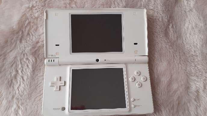 Imagen Se vende Nintendo DSI