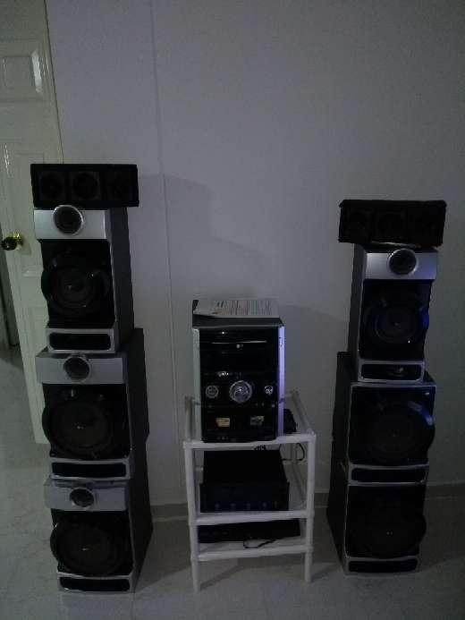 Imagen equipo de sonido marca LG