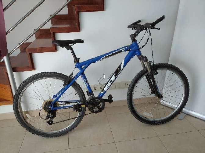 Imagen Bicicleta GT avalanche 2.0.