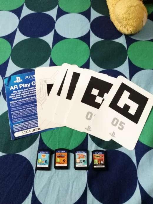 Imagen producto PS Vita con funda y 4 juegos 4