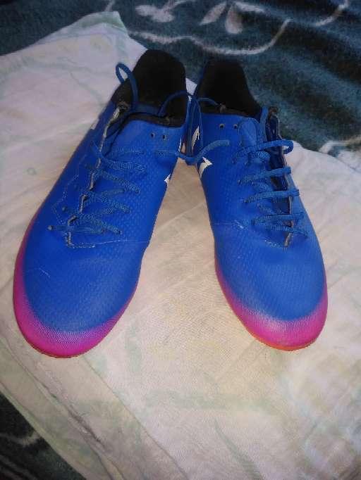 Imagen Vendo guayos Adidas originales