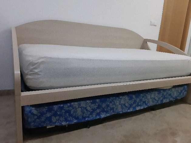 Imagen cama nido en color roble blanco.