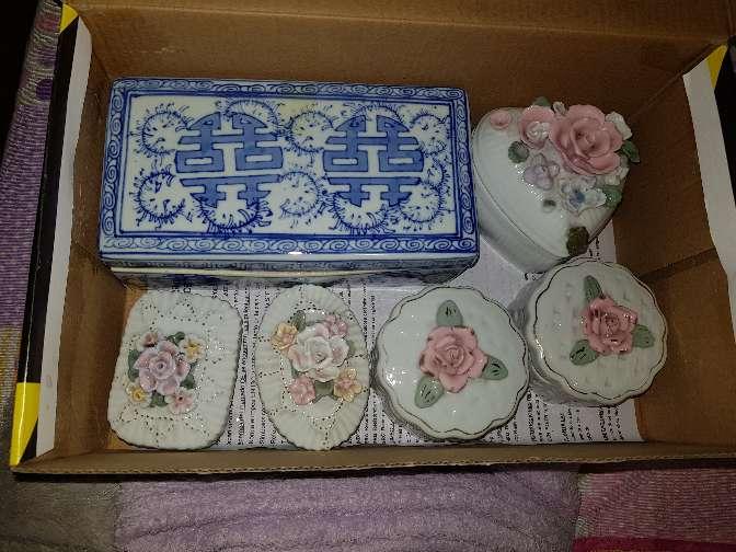 Imagen Juego de decoración de porcelana..