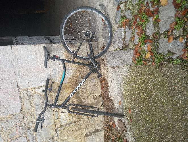 Imagen Bicicleta todo nuevo menos el esqueleto