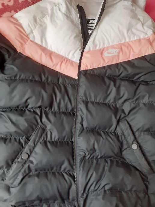 Imagen Abrigo de Mujer Nike