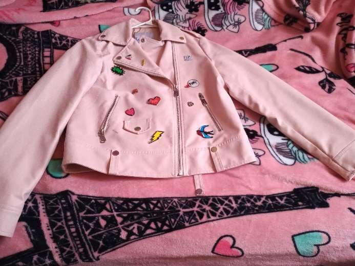 Imagen Chamarra de cuero rosada
