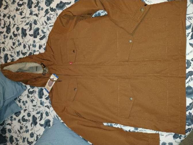 Imagen abrigo hombre Levi's nuevo