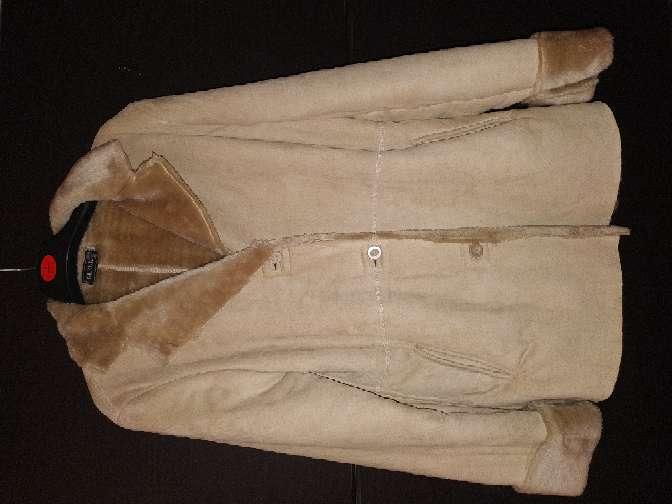 Imagen abrigo señora Faruk
