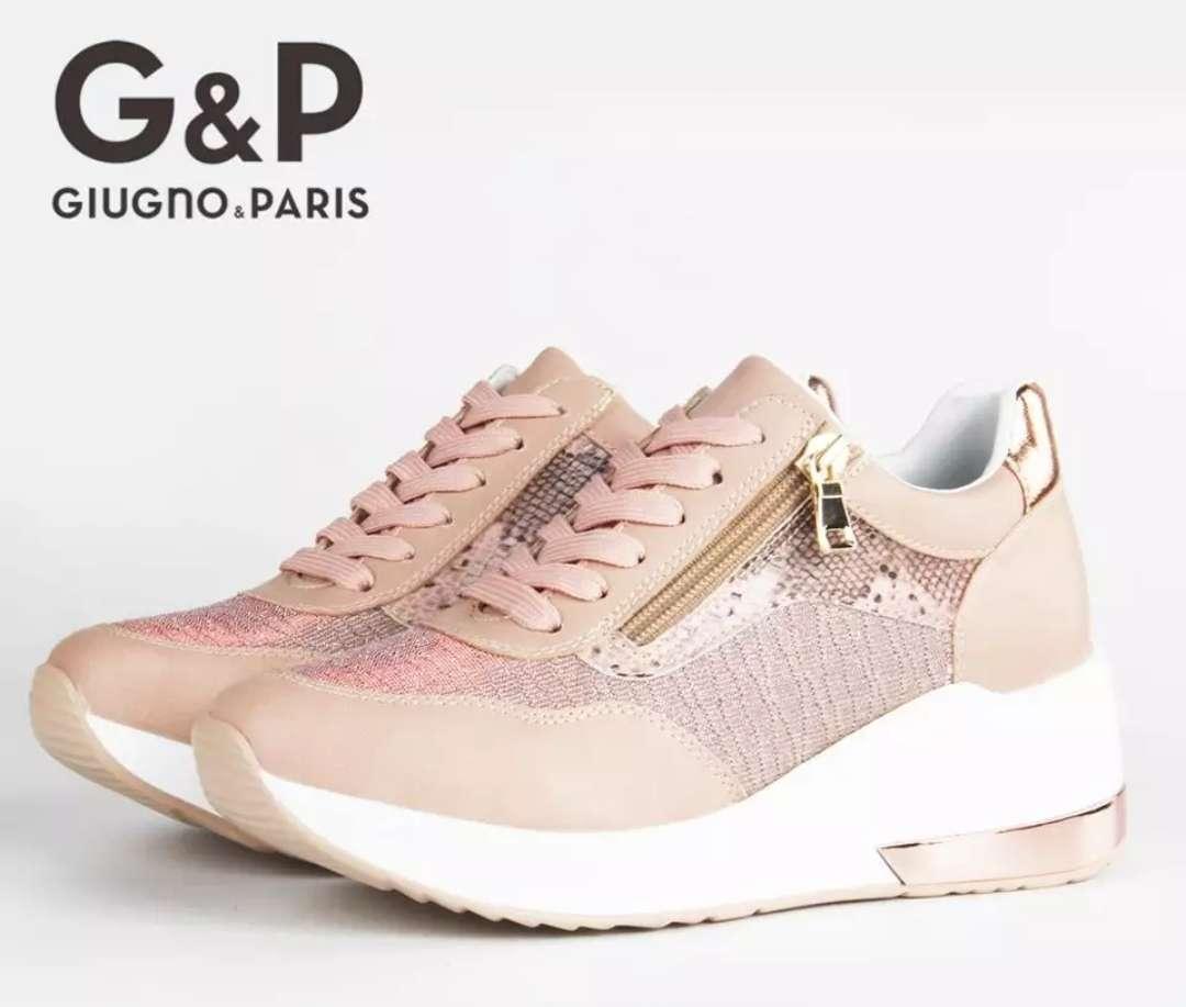Imagen producto Zapatillas para mujer 1