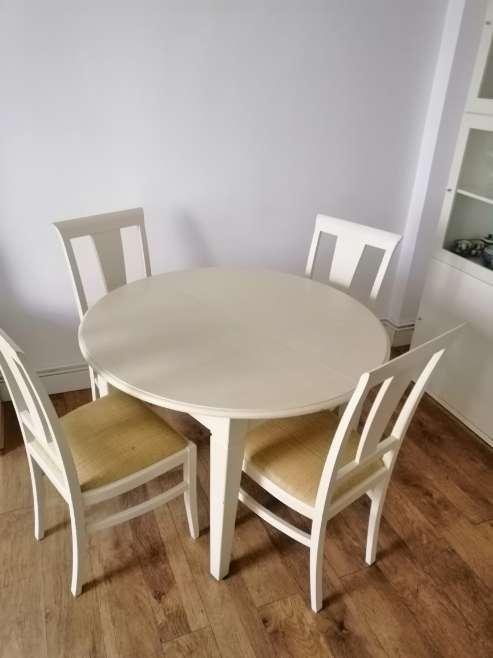 Imagen Conjunto de mesa y 4 sillas de comedor