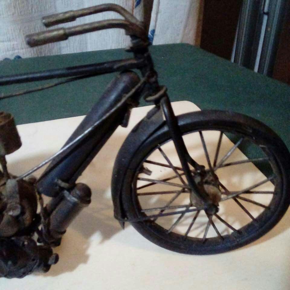 Imagen producto Bicicleta echa a mano. Antiguisima  5