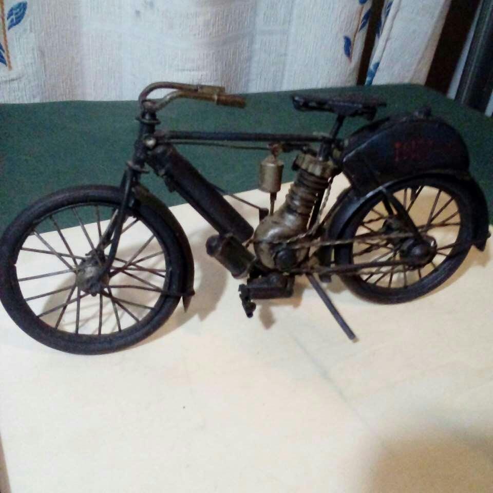 Imagen Bicicleta echa a mano. Antiguisima