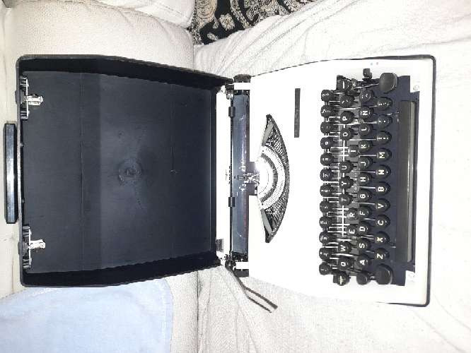 Imagen máquina de escribir alemana 1960