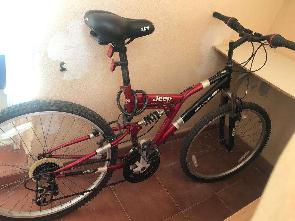 Imagen producto Bicicleta Jeep muy comfortable, bien estado 3