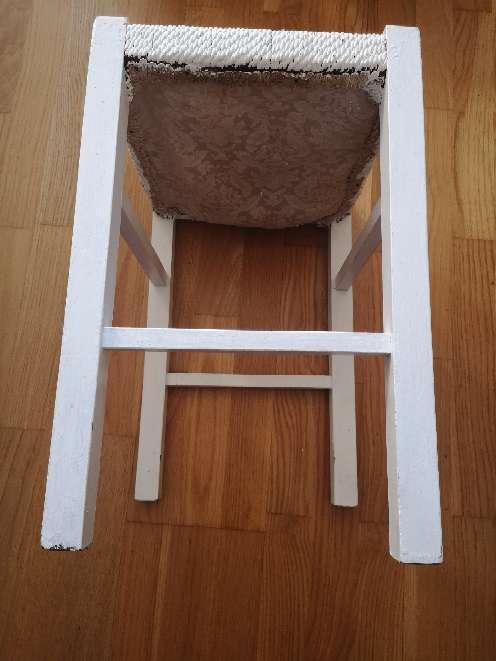 Imagen producto Taburetes mimbre y madera 5