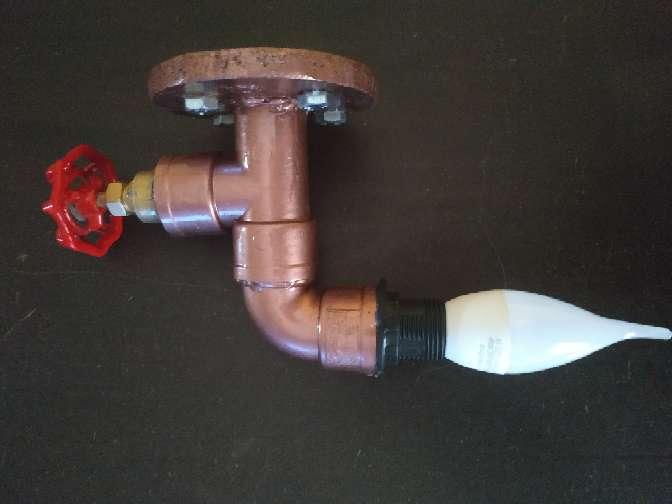 Imagen producto Lampara grifo bronce decoración industrial incluye Lámpara grifo+ bombilla+ tornillos y tacos para anclaje..... 5