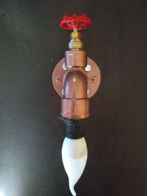 Imagen producto Lampara grifo bronce decoración industrial incluye Lámpara grifo+ bombilla+ tornillos y tacos para anclaje..... 2