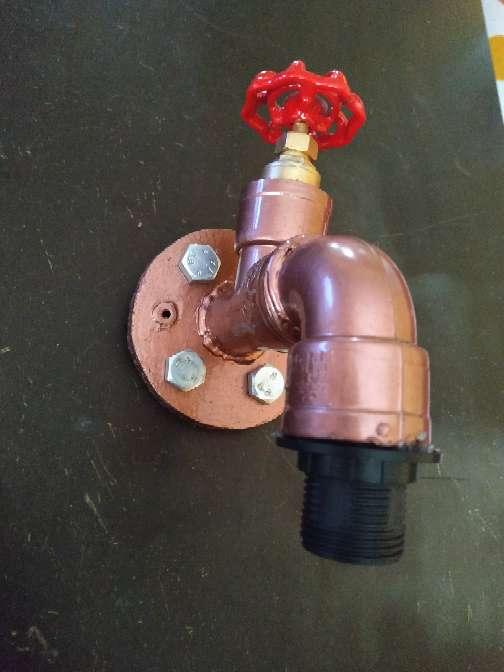 Imagen producto Lampara grifo bronce decoración industrial incluye Lámpara grifo+ bombilla+ tornillos y tacos para anclaje..... 3