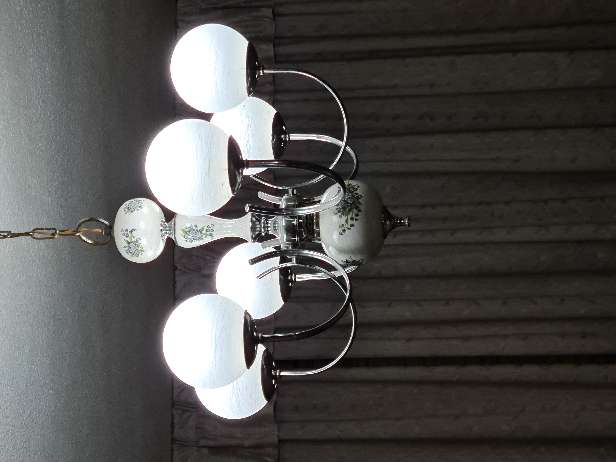 Imagen exclusiva lámpara de metal y cerámica