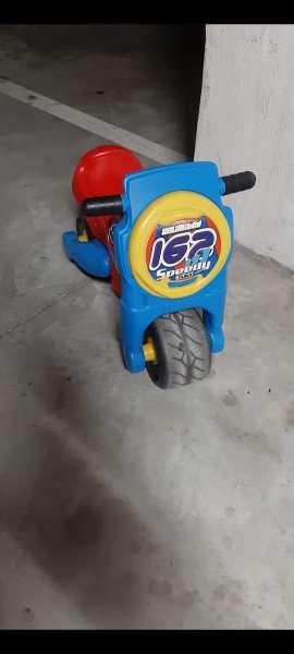 Imagen Moto y patinete