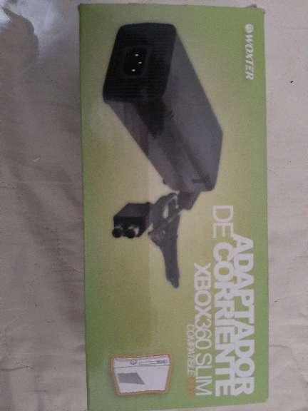 Imagen adaptador de corriente Xbox360