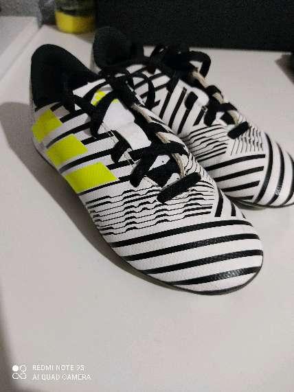 Imagen zapatillas futbol Adidas némesis talla 29 solo un uso están nuevas