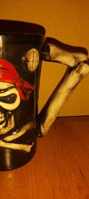 Imagen Taza Pirata Tibia Negra