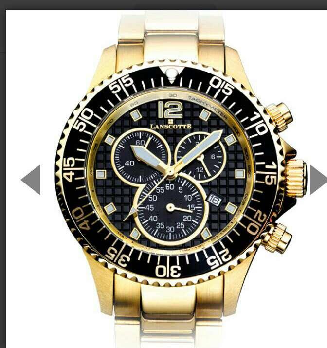 Imagen reloj en caja danconrs sinbols