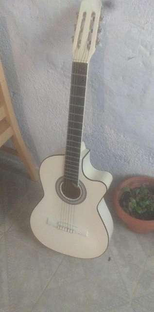 Imagen guitarra acustica
