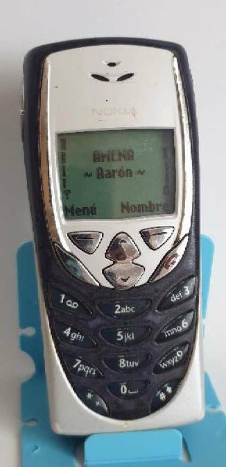 Imagen Nokia 8310 x 2