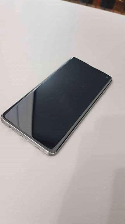 Imagen producto Smartphone Samsung Galaxy S10 2