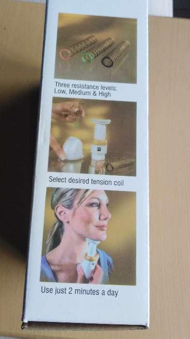 Imagen producto Ejercitador para la barbilla. Neckline.  2