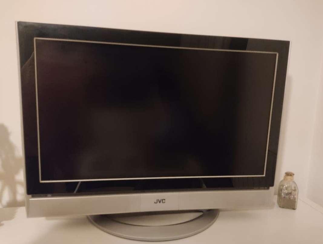 Imagen Televisor JVC LCD 32