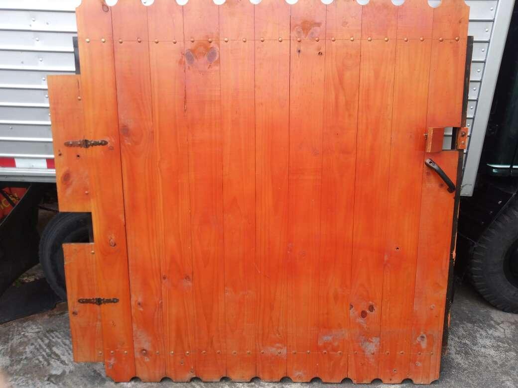 Imagen producto Puerta de Madera, precio negociable 2