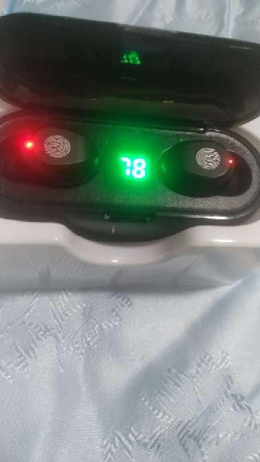 Imagen vendo auriculares Bluetooth