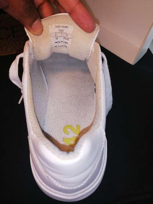 Imagen producto Zapatillas blancas Bershka  6