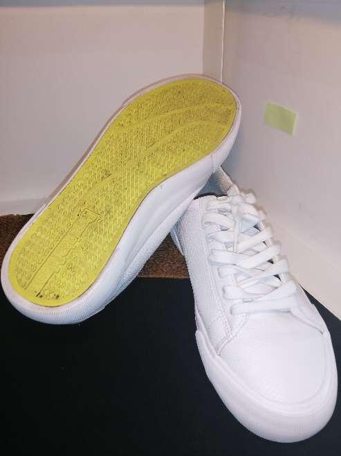 Imagen producto Zapatillas blancas Bershka  3