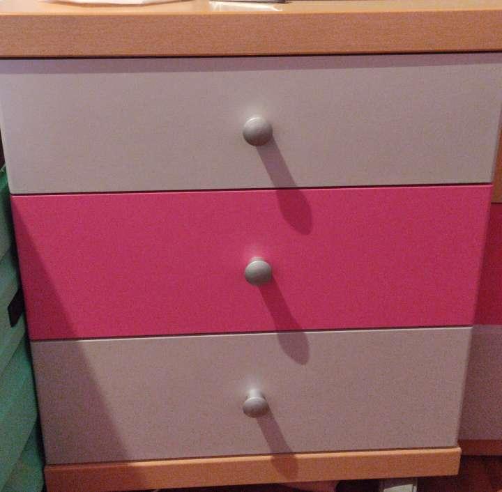 Imagen cajones escritorio dos colores