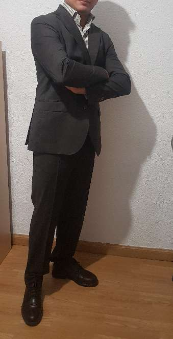 Imagen TRAJE COMPLETO( americana y pantalón).